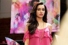 Half Girlfriend Stills - Pictures Arjun Kapoor, Shraddha Kapoor, Half Girlfriend Movie, Mohit Suri, Still Picture, Hindi Movies, Girlfriends, Bollywood, Stars