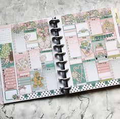 Another Christmas themed layout! My planner is full of them the whole of December 😍 xxx Planner Layout, Planner Ideas, Mini Happy Planner, Planner Decorating, Christmas Themes, Planner Stickers, Layouts, Daily Planning, December