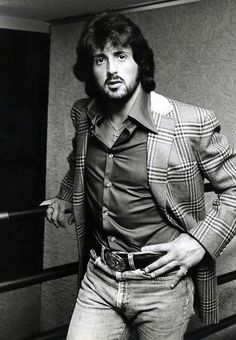 When you're scared, when you're hanging on, when life is hurting you, then you're going to see what you're really made of. - Sylvester Stallone ~ Photo by Annie Leibovitz Jackie Stallone, Sage Stallone, Frank Stallone, Stallone Rocky, Sylvester Stallone Young, Jennifer Flavin, Chuck Norris, Brigitte Nielsen, Annie Leibovitz Photography