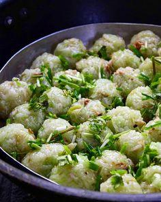 Recette boulettes chouchou - Tasting Mauritius Veggie Recipes, Seafood Recipes, Asian Recipes, Cooking Recipes, Ethnic Recipes, Homemade Dumplings, Dumpling Recipe, Agar