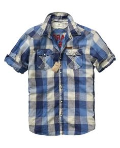 CHECKERED SHORT-SLEEVED SHIRT     Bring this shirt for a day at the beach and you will feel comfortable all day long. It is lightweight fabric and has an embroidery on the back.    What it's made of: 55% linnen, 45% cotton    € 69,95