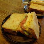 自家焙煎 タオ珈琲 - ホットサンド