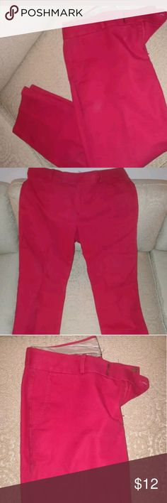 Banana Republic Pink capris size 6 Martin fit, magenta pink, capris, worn once Banana Republic Pants Capris