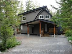 All season chalet with south-facing deck and private upper deck to enjoy the outdoors. Vacation Rentals By Owner, How To Get Warm, Whistler, Next At Home, British Columbia, Spring Time, Villa, Outdoor Structures, Cabin