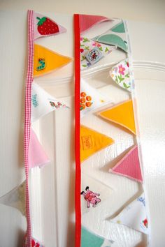 Make bunting out of baby clothes to hang in their room. What a sweet idea! Bunting Ideas, Make Bunting, Bunting Garland, Garlands, Diy Banner, Pennant Banners, Felt Crafts, Diy Crafts, Creative Activities