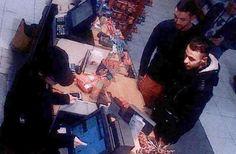 Photo extraite d'une caméra de surveillance, montrant Salah Abdeslam (à droite) et Mohamed Abrini (à gauche) achetant des marchandises dans une station-service de Ressons (Oise), le 11 novembre 2015.