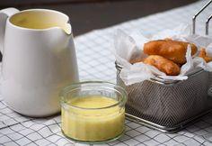 Sörtésztás halfalatkák uborkás majonézzel Glass Of Milk, Sushi, Dairy, Pudding, Cheese, Desserts, Minden, Food, Tailgate Desserts