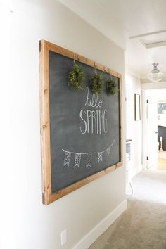 fixer upper DIY projects and tutoriLove the vintage-inspired style of Joanna Gaines? Today, I'm sharing Fixer Upper inspired DIY projects, crafts and tutorials to add that rustic, farmhouse style to your own home! Decor, Hallway Designs, Farmhouse Decor, Hanging Chalkboard, Spring Home, Rustic Chalkboard, Farmhouse Diy, Home Decor, Chalkboard Projects