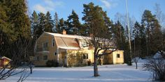Luxury holiday villa near Ljusne, Soderhamn, Central Sweden. 4 Bedrooms sleeping 8 in Ljusne, Sodermanlands Lan, Sweden from just 650 EUR per week. Luxury Holidays, Sweden, Mansions, House Styles, Home Decor, Decoration Home, Room Decor, Fancy Houses, Mansion