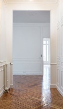 Isawtoday:Restored Classical Haussmannian Apartment By A B...