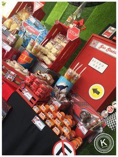 Mesa de dulces | candy bar | cumpleaños | cars | fiesta | rojo y azul | rayo mcqueen | niños | mate| www.beKUUKI.com