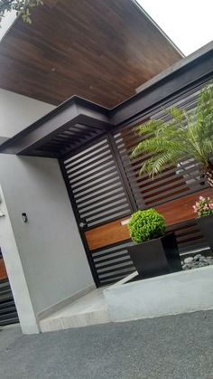 11 designs of porches so that the entrance of your house looks great. Modern and elegant! porches modern looks house great entrance designs Main Gate Design, House Gate Design, Door Gate Design, Fence Design, Modern House Design, Design Jardin, House With Porch, Entrance Gates, Exterior Design