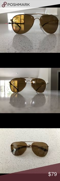 48998b3ee5 Oakley Women s Daisy Chain Polarized Aviators Like new condition Brown gradient  lenses White and gold arms