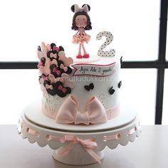 Mickey And Minnie Cake, Minnie Mouse Cake, Cupcakes, Cupcake Cakes, Image Birthday Cake, Pastry Art, Sugar Cake, Girl Cakes, Fondant Cakes