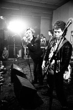 he Sex Pistols: Johnny Rotten, Sid Vicious, Paul and Steve Jones in Einhoven, Holland. 11th December 1977
