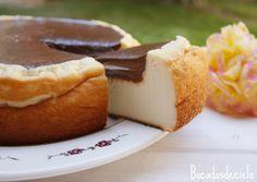 Tarta de queso con ganache de chocolate del blog bocadosdecielo. Cheesecake with chocolate ganache.