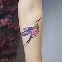 Cute Hummingbird Tattoo Designs for Women – Best Tattoos Designs & Ideas for Men & Women Tatoo Bird, Small Bird Tattoos, Flower Tattoos, Small Hummingbird Tattoo, Tattoo Small, Watercolor Hummingbird, Pansy Tattoo, Watercolor Art, Pretty Tattoos For Women