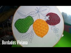 Hand Embroidery Patterns, Embroidery Stitches, Tutorial, Projects To Try, Bee, Diy Crafts, Sewing, Tamales, Youtube