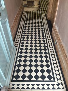 hallway decorations We specialise in Victorian Hallway Tiles and we offer an expert services in sorcing and laying traditional Victorian floor tiles hallway Victorian Tiles Bathroom, Victorian Mosaic Tile, Ceramic Tile Floor Bathroom, Art Deco Bathroom, Victorian Flooring, Small Bathroom, Master Bathroom, Bathroom Ideas, Hall Tiles