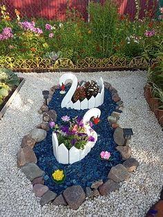 Diy Garden Decor, Garden Crafts, Garden Projects, Pots D'argile, Garden Rack, Rock Garden Design, Cute Diy Projects, Cement Crafts, Natural Home Decor