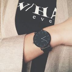 What time is it? @clusewatches #cluse #clusewatches #clusewatch #watch #fashion #zara #knit #instagood #outfitoftheday #instafashion #like4like #follow4follow