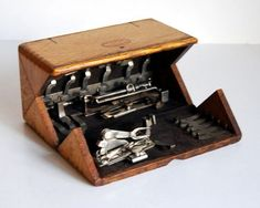 Vintage Box 1889 Singer Oak Puzzle Box and Sewing Machine Attachments Featherweight Sewing Machine, Treadle Sewing Machines, Vintage Sewing Machines, Sewing Table, Sewing Box, Sewing Machine Accessories, Vintage Sewing Notions, Puzzle Box, Vintage Box