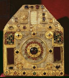 Phylactery or pentagonal reliquary, 10th-11th century (wood, copper, gilded silver & semi-precious stones), French School / Church of St. Foy, Conques, France / Giraudon   Bridgeman Images number XIR226562