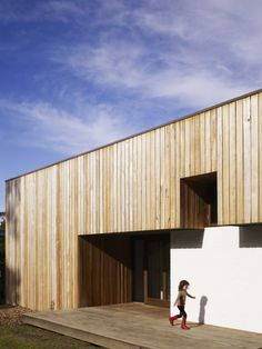 Merricks Beach House / Kennedy Nolan Architects | ArchDaily