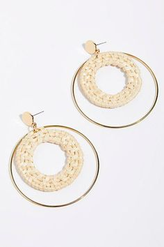 Earrings Hoop Slide View Circle Straw Hoop Earrings - These double hoops feature straw for a natural look. Coral Earrings, Pendant Earrings, Hoop Earrings, Necklace Set, Pearl Jewelry, Jewelry Necklaces, Emerald Jewelry, Jewelry Gifts, Unique Jewelry