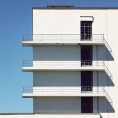 """thekhooll: """"Bauhaus Building in Dessau Photographed by Sebastian WeissSebastian Weiss captures the classic framework of the Bauhaus Building in Dessau, Germany designed by Walter Gropius in Gropius consistently separated the parts of the. Walter Gropius, Architecture Photo, Contemporary Architecture, Decor Interior Design, Interior Design Living Room, Room Interior, Bauhaus Building, Ad Architectural Digest, Building Illustration"""