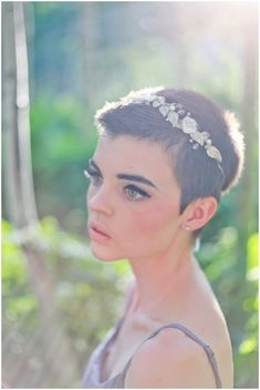 pixie bridal style / Photographer: Lizzie Love Photography / Bridal headpieces: Lacielle Roselle