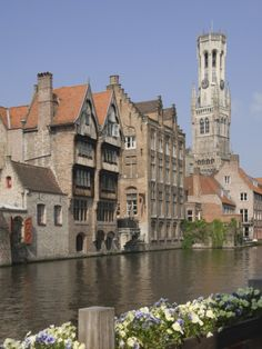 Canal of Traditional Flemish Gables and Belfry, Brugge, UNESCO World Heritage Site, Belgium