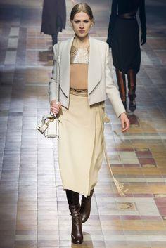 Lanvin Fall 2015 Ready-to-Wear Fashion Show - Laura Julie