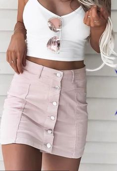 Outfits and flat lays we fell in love with. See more ideas about Casual outfits, Cute outfits and Fashion outfits. Fashion Trends, Latest Fashion Ideas and Style Tips. Vetement Fashion, Mode Outfits, Girly Outfits, Outfit Goals, Outfit Ideas, Dress Ideas, Looks Style, Mode Style, Look Fashion