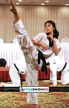 Taekwondo girl (y)