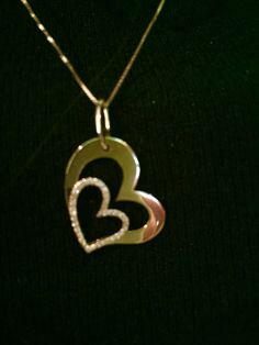 18 k gold with diamond.. Simple & chic