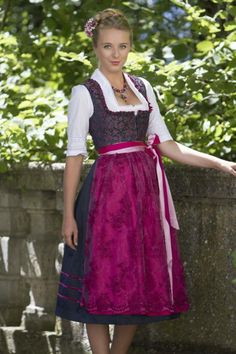 dirndl - school play