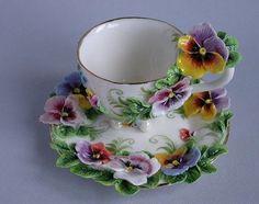 Essence of a woman - Geschirr & Co - Tea Glasses Tea Cup Set, My Cup Of Tea, Tea Cup Saucer, Tea Sets, Vintage China, Vintage Tea, Vintage Dishes, Keramik Design, Etiquette Vintage