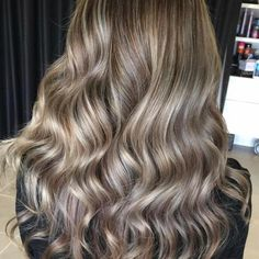 Seamless  Balayage done high ���� by @hairbyrozi_  #melbournehair#melbournehairdresser#melbournehairstylist#hairs#hairstylist#hairidea#haircolor#hairinspiration#fashionhairstyle#trends#editorial#fashion#fashionblogger#balayage#balenciaga#balayagehair#balayageombre#balayagehighlights#blonde#blondehair#ombrehair#ombre#meccamaxima#melbournecup#melbournewedding#melbournemakeupartist#makeup#pastelhair http://butimag.com/ipost/1490908003083172001/?code=BSwxO38jzih