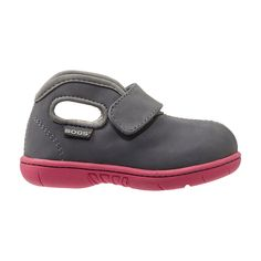 Now the same comfort of our classic Baby Bogs comes in a low version. Made of nubuck leather with Bogs Max-Wick™ and a soft-to-skin plush lining keeps tiny toes dry and comfy. 100% satisfaction guaranteed.