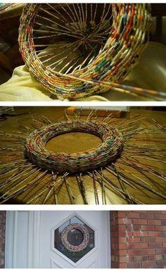 All Paper, Paper Art, Paper Crafts, Diy Crafts, Paper Basket Weaving, Recycled Magazines, Easter Wreaths, Door Wreaths, Wicker
