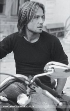 ♥ Keith Urban & A motorcycle... :) yes please