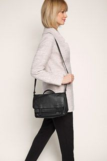 Esprit / shoulder bag with layering detail