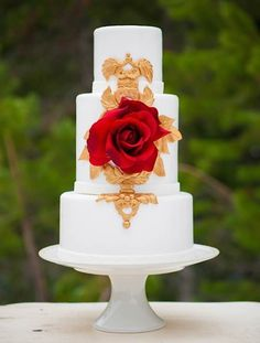 Cake Wrecks - Home - Sunday Sweets: FloweryPraisehttp://www.theperfectpalette.com/2013/11/styled-shoot-pomegranate-snow.html