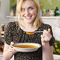 Modern Country Style: Modern Country Girls: Sophie Dahl Click through for details. Sophie Dahl, Modern Country Style, Cooking Photography, Old Dresses, Domestic Goddess, Love Her Style, Country Girls, Food For Thought, Supermodels