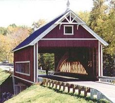 Plan an awe-inspiring tour of the largest collection of covered bridges in Ohio - 19 unique bridges make Ashtabula County Ohio's premiere covered bridge destination. Ashtabula County, Love Bridge, Old Bridges, Construction, Old Barns, Covered Bridges, Vermont, New England, Beautiful Places