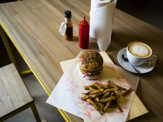 PLACES IN MOSCOW : VICE BURGERS