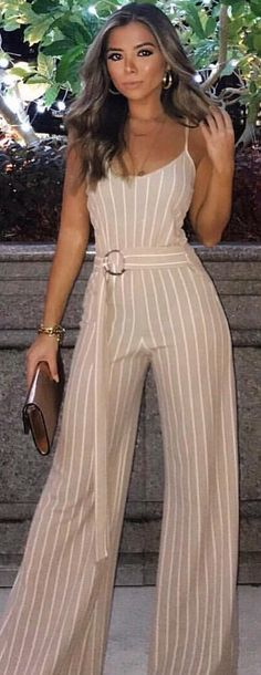Gray and white pinstripe jumpsuit. Pic by fashiondynasties Cute Winter Outfits, Casual Fall Outfits, Cute Outfits, Jumpsuit Casual, Stunning Summer, Mein Style, White Turtleneck, Playsuits, Jumpsuits