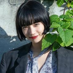 30 Hottest Short Layered Haircuts Right Now (Trending for - Style My Hairs Short Layered Haircuts, Short Black Hairstyles, Hairstyles With Bangs, Straight Hairstyles, Pretty Hairstyles, Black Hair Japanese, Japanese Female, Medium Hair Styles, Curly Hair Styles