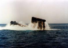 Submarino Galerna (S-71) de la Armada realizando ejercicio de emersión de emergencia